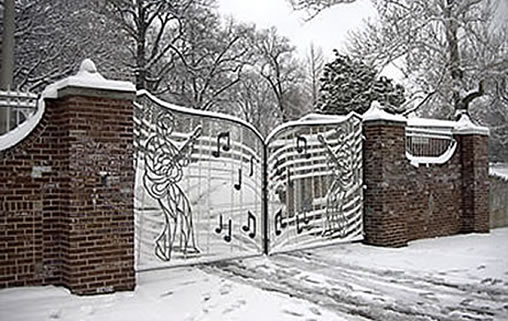The Graceland gates in white.